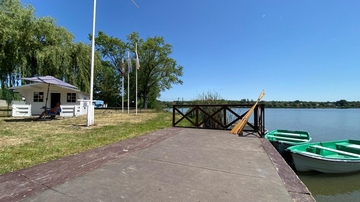 Půjčovna lodiček na rybníku Barbora v Duchcově