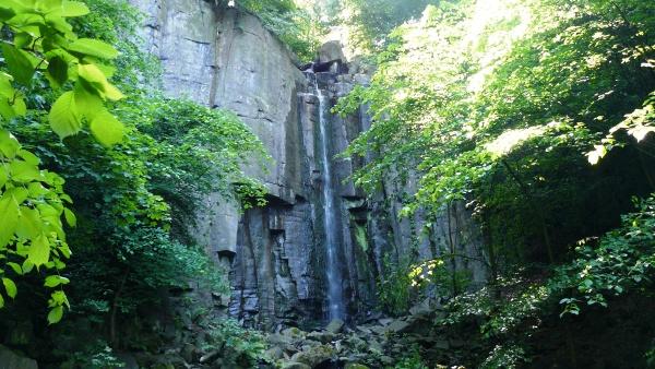 Vaňovský vodopád  |  Krušnohorci