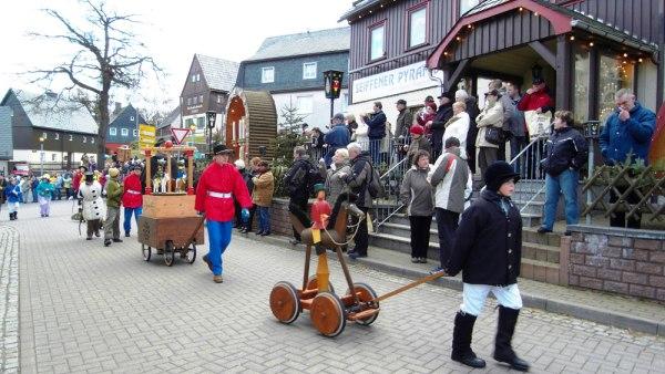 Vánoční trhy v Seiffenu  |  ---