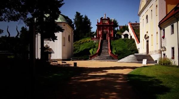 Das Klosterareal im Ostrov