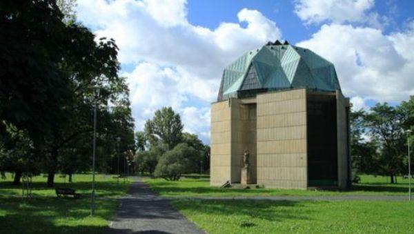 Pavilon pro Reinerovu fresku  |  Krušnohorci