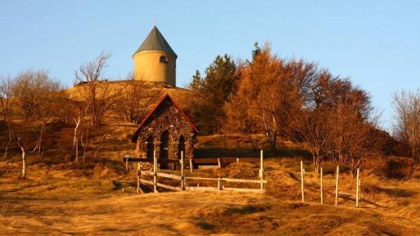 Kaple Neposkvrn�n�ho po�et� Panny Marie