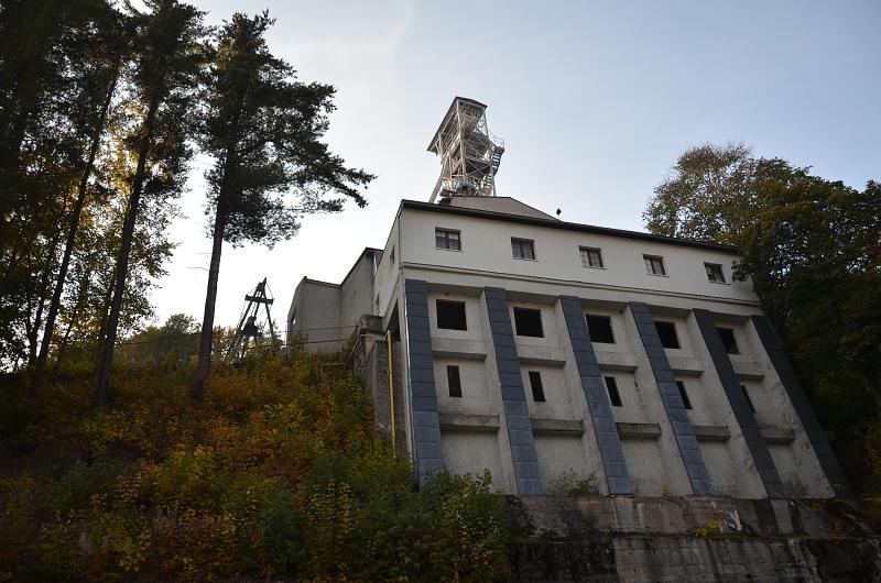 Důl Svornost, Jáchymov | pohled od silnice | Krušnohorci