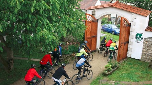 Cyklisté vítáni  |  www.cykliste-vitani.cz
