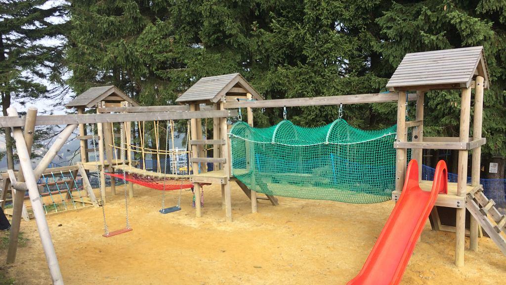 Dětské hřiště na Plešivci