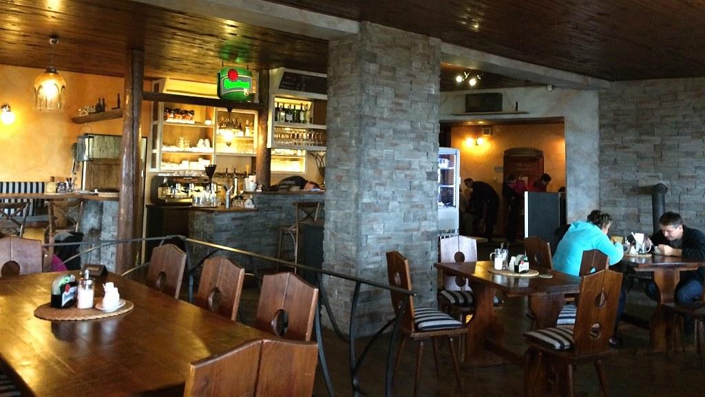 Interiér restaurace na Plešivci