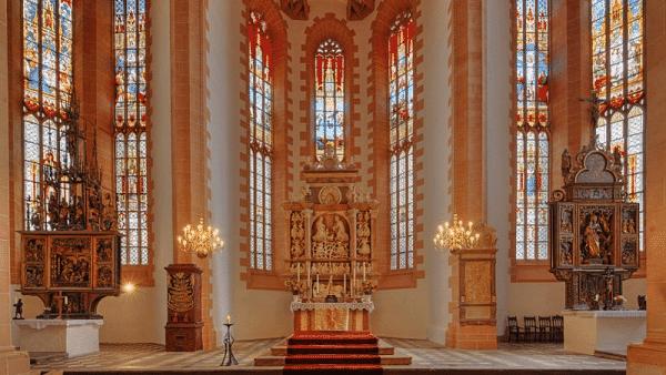Kostel svaté Anny - nejstarší pozdněgotický kostel Saska