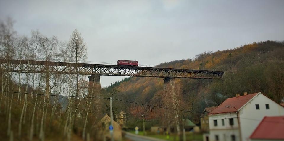Moldavská dráha, Most nad obcí Hrob - Mlýny