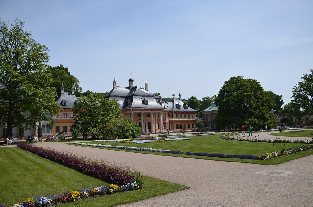 Zámek a park Pillnitz