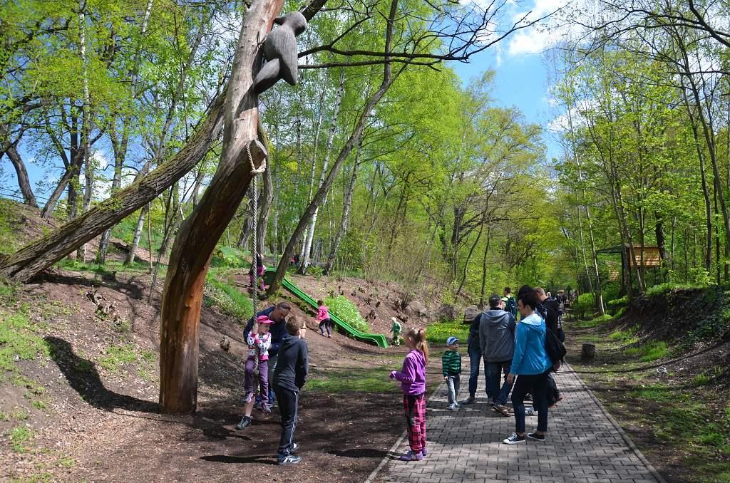 Dětské atrakce všude podél cest   Krušnohorci