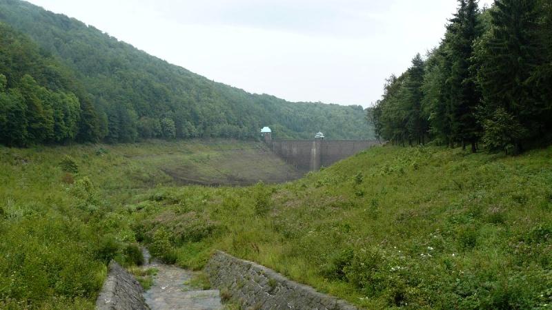 Vodní nádrž Janov - Křižatky vypuštěná | Krušnohorci