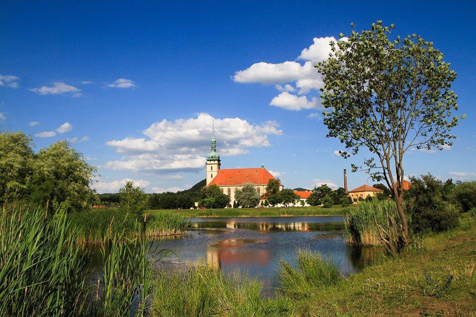 Přesunutý gotický kostel Nanebevzetí panny Marie |