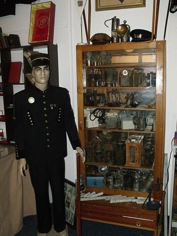 Figurína horníka v muzeu Měděnec | Horal