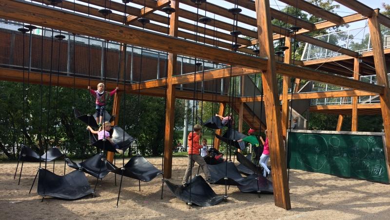 Dětské hřiště na Dippoldiswalder Platz  |  Krušnohorci