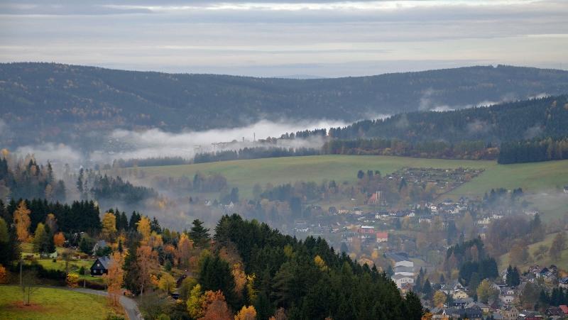 Podzimní výhled na Klingenthal   Krušnohorci
