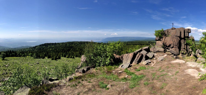 Nejvyšší hora východní části Krušných hor - Loučná | Krušnohorci
