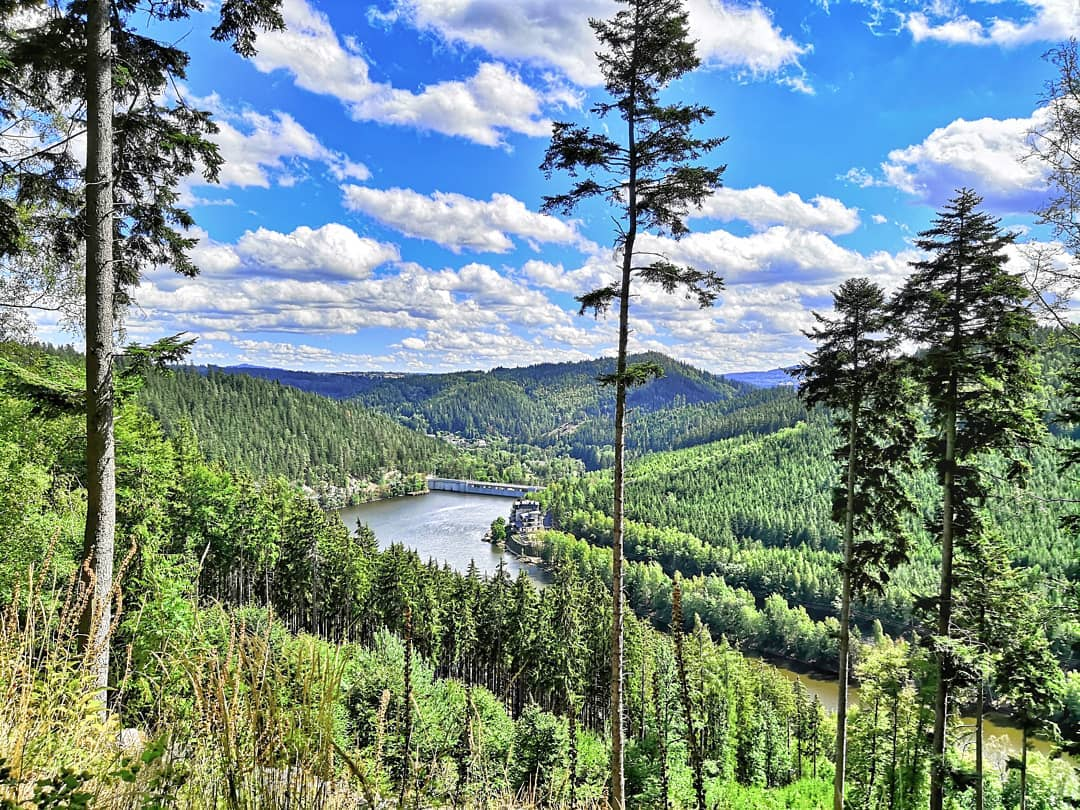Jungmannův altán - výhled na přehradu Březová   ---
