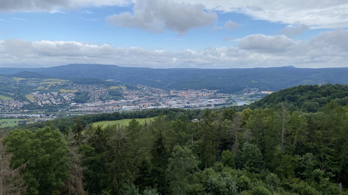Výhled z Velkého chlumu   Krušnohorci
