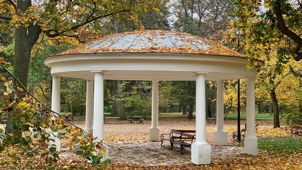 Echoaltánek, Zámecká zahrada   Krušnohorci